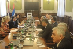 29 May 2015 The National Assembly Economic Caucus meets with representatives of the Belgrade Chamber of Commerce