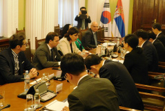 17 May 2019 The members of the Parliamentary Friendship Group with Korea in meeting with the delegation of the Parliamentary Friendship Group with Serbia of the Parliament of the Republic of Korea